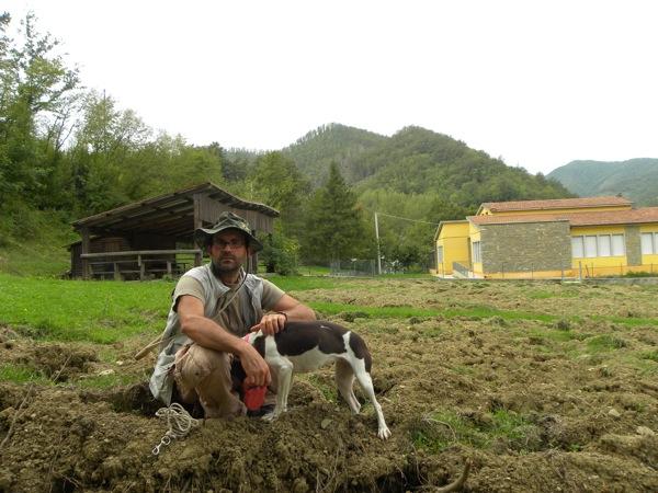 Truffle hunting italian agriiturismo le marche