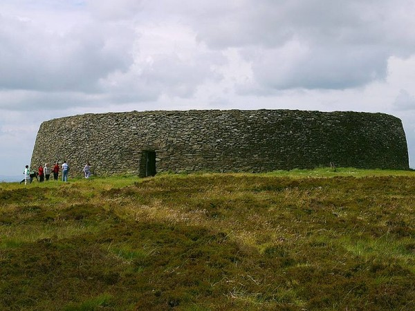 grianan aileach fort ireland