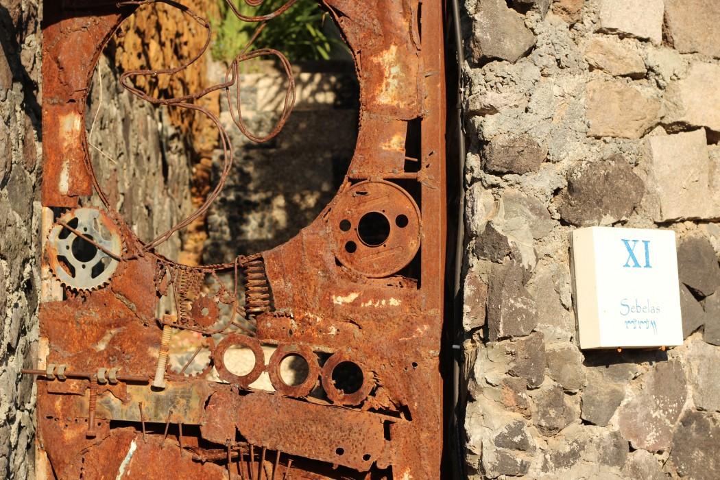 metal door design bali