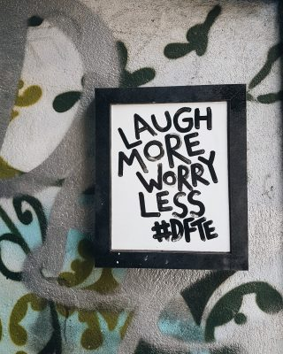 Words to live by.⠀⠀⠀⠀⠀⠀⠀⠀⠀ ⠀⠀⠀⠀⠀⠀⠀⠀⠀ #Bristol #streetart #laughmore #worryless
