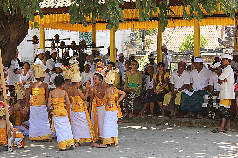 ceremony temple bali